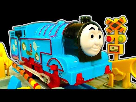 Thomas The Tank Dark Side Knock Off Toys Ep 12 Amazing TOMY Toy Train Set