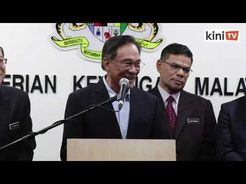 Anwar ulas kenyataan Dr M serah jawatan PM dalam tempoh 3 tahun
