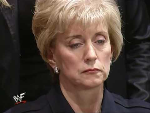 Trish Stratus & Vince McMahon Kissing Segment + Linda McMahon