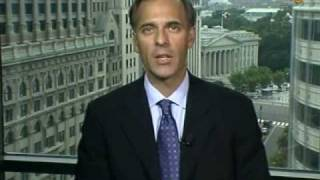 Zandi Says Fed Should Support `Fragile' U.S. Economy: Video