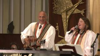 HHD 2016: Rabbi Jonathan Aaron and Cantor Lizzie Weiss Sing