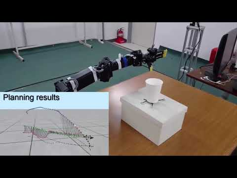 Real-time Grasp Planning based on Motion Field Graph for Human-Robot Cooperation
