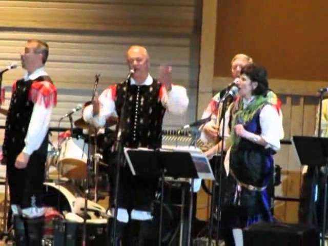 The Singing Slovenes - The Cleveland Polka