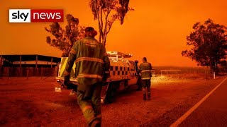 Strong winds whip up Australian bushfires
