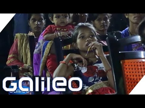 Luxuskino vs. das ärmste Kino der Welt | Galileo | Galileo