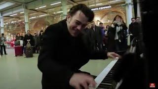 Insane public piano flex....