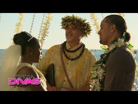 Naomi and Jimmy Uso exchange their wedding vows: Total Divas, April 20, 2014