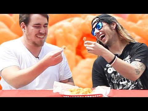 People In Hollywood Try Cheese Curds For The First Time