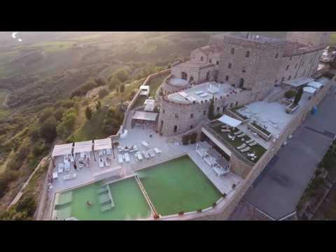 Castello di Velona - Montalcino (Val d'Orcia) - Drone view (4k)