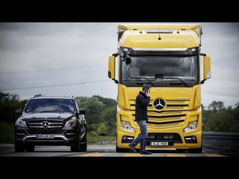 Mercedes-Benz Actros - Active Brake Assist 4 and Sideguard Assist (2016)
