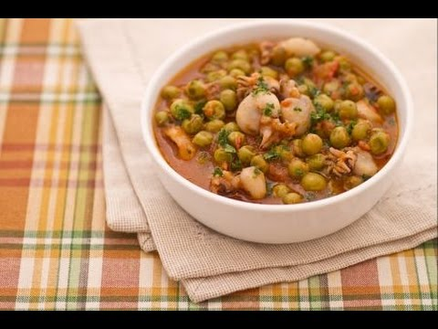 Ricetta autunnale seppie con piselli in umido,Recipe autumn cuttlefish with peas stewed,方秋墨魚豌豆燉