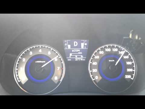 Hyundai Accent 1.4 VVT CVT 0 180km h  2013.11.26