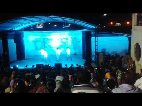 MJ-5 Dance on song - Kolaveri Di, saat samundar paar by student of std-9 Silver Green vidhyanagari