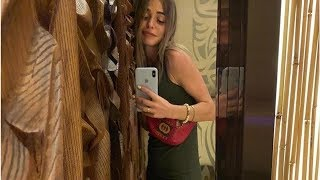 Анна Хилькевич на отдыхе в Дубае сделала селфи в зеркало, которое стройнит