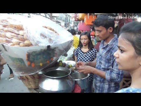 Kolkata Phuchka / Pani Puri Dharmatala New Market Area