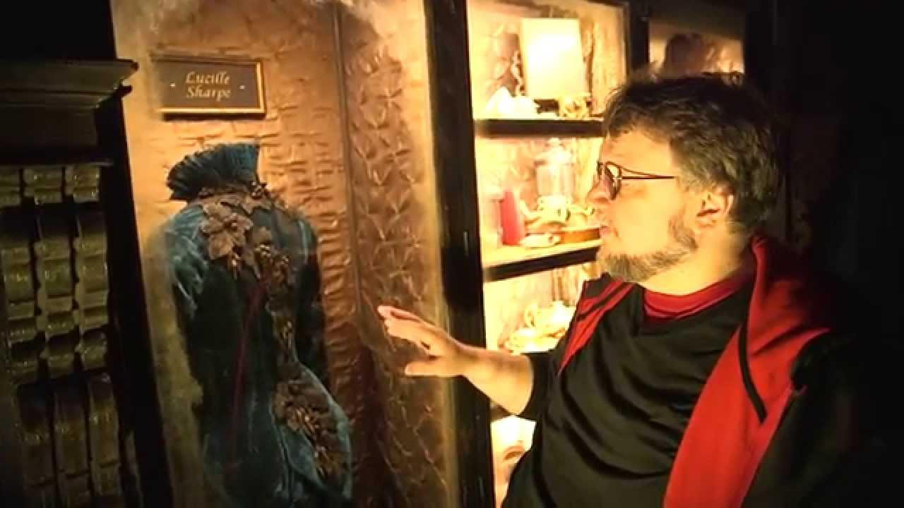 画像: Crimson Peak Gothic Gallery Tour with Guillermo del Toro (SDCC 2014) [HD] youtu.be