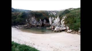 Playa de Gulpiyuri. Llanes. Asturias. Una playa sin mar.