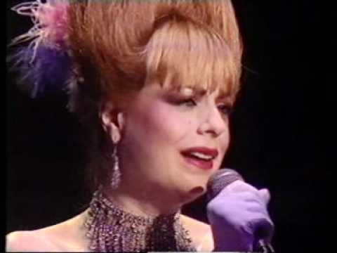 Mari Wilson - Cry Me A River (some audio distortion).mpg - YouTube