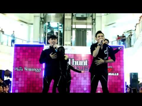 Sisa Sisa Cinta - d'Flash (performance at Plaza Semangi)