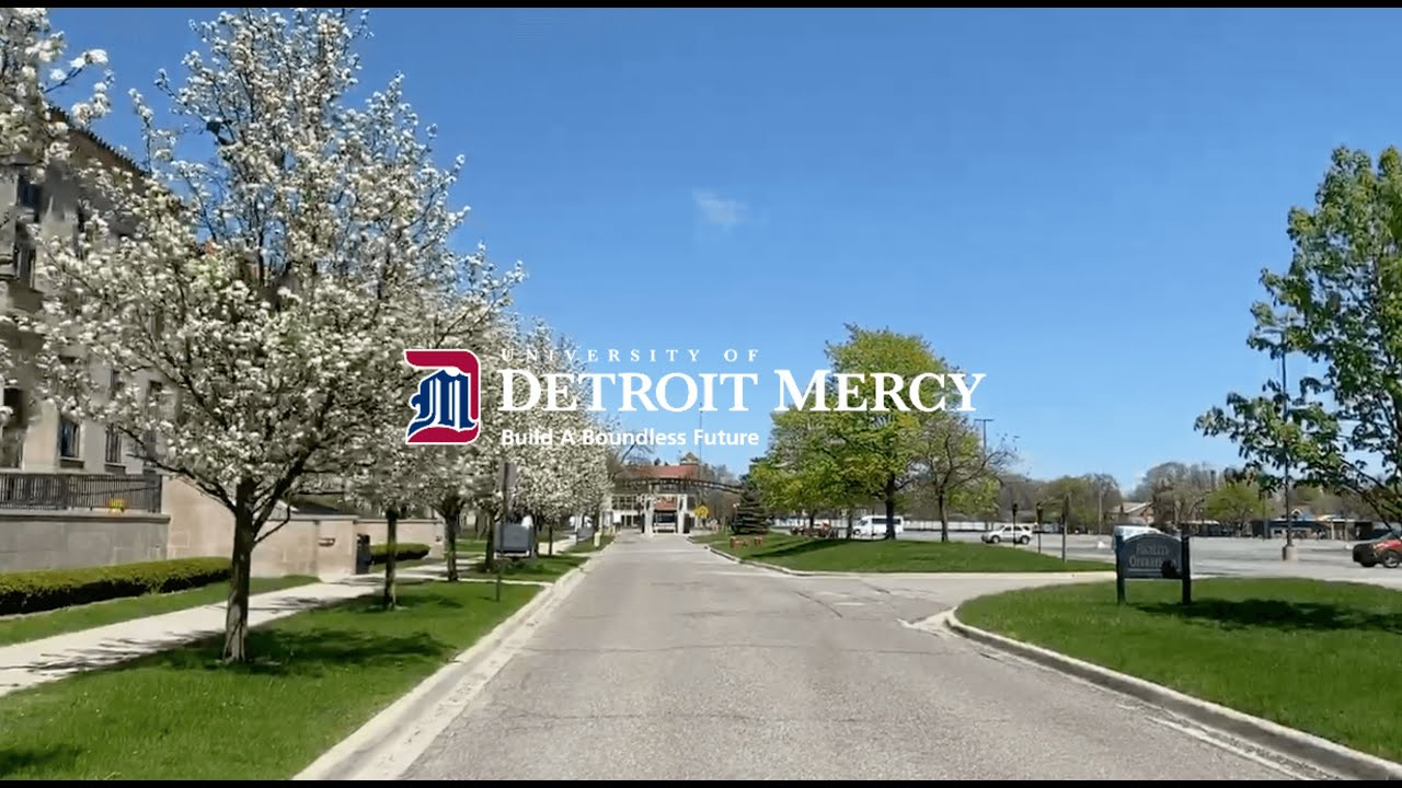 University Ministry blesses the Detroit Mercy Class of 2020.