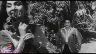 In Aankhon Ko Tumhein Apna - Asha Bhosle - Kishore Kumar, Nimmi, Om Prakash