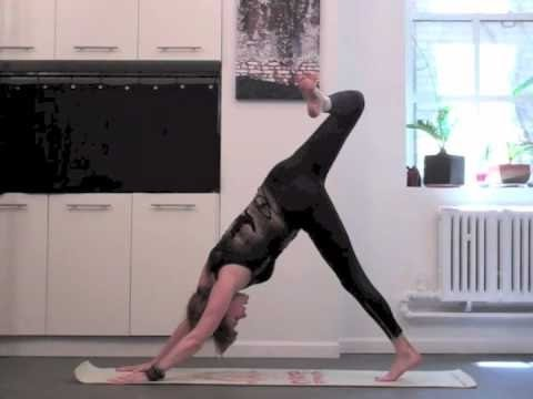 Yoga Stretch -  20 MIN SUPER WEIGHT LOSS/CORE STRENGTH FLOW
