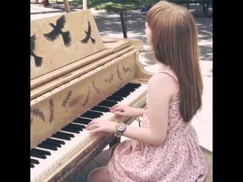 Holly - Pianos