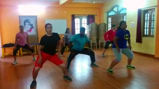Zumba® Fitness Routine by Praveen| Tip Tip Barsa Paani