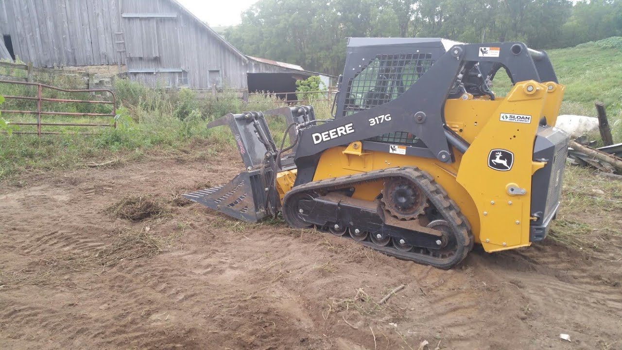 Putting The John Deere 317G and 330G Skidsteers To Work