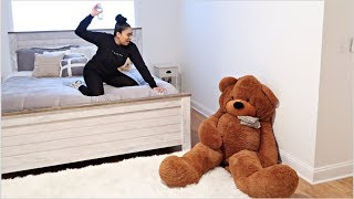 GIANT TEDDY BEAR PRANK ON GIRLFRIEND! *Hilarious*