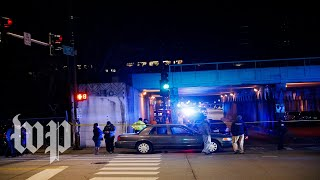 Video Two Chicago police officers struck, killed by train download MP3, 3GP, MP4, WEBM, AVI, FLV Desember 2018