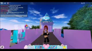 1st video eeeeeeeeeeek im so exited roblox royal high part one ^w^