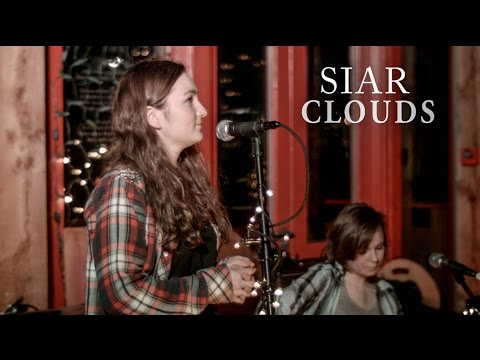 Siar - Clouds (Newton Faulkner Cover) - Live at The Woodlands
