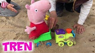 Peppa Pig pasea en tren por la playa con los niños | Vídeos de Peppa Pig en español