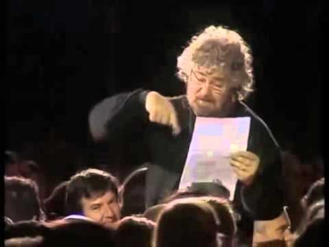 """Le migliori battute di """"beppegrillo.it"""" - Beppe Grillo"""