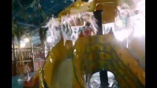Ева-Лиза в аквапарке в ТЦ «Дрим Таун» г.Киев(Обычно в аквапарк мы ездим на Евочкин День рождения, но вот решили съездить перед Новым Годом.....Ева-Лиза..., 2016-01-21T22:39:15.000Z)