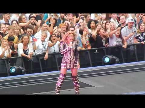 Beyonc茅 & Jay Z OTR II - Drunk In Love (28.06.18 Berlin) HD