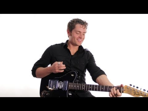 """How to Play """"Seinfeld"""" TV Theme Song on Guitar"""