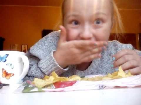Две пачки чипсов за 10 минут.Аааааааа!!!!!!
