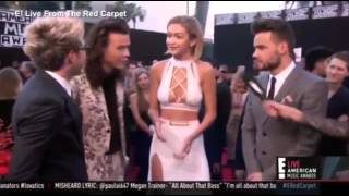 Gigi Handid hugs everyone in One Direction but Harry Style