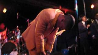 "Raphael Saadiq Live Performance, ""Get Involved,"" 9.1.08"