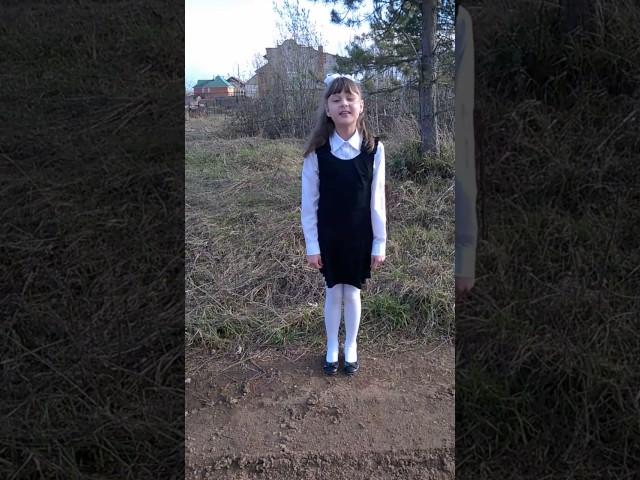 Изображение предпросмотра прочтения – ТатьянаПищальникова читает произведение «Тот самый длинный день в году» К.М.Симонова
