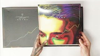 "Bill Kaulitz unpacking ""Kings Of Suburbia"" Super Deluxe"