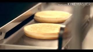 참깨빵 위에 순쇠고기 패티두장 특별한 소스 양상추 치즈…