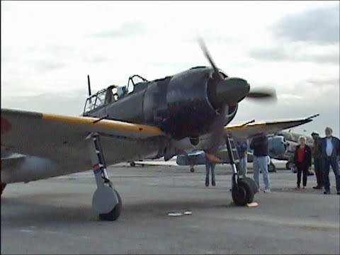 Flight Demo of Genuine Japanese Zero with ORIGINAL WWII ...