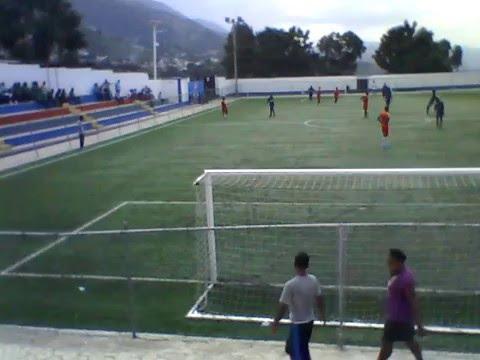 EPSJA FC vs UNIVERISTE QUISQUEYA (saintonge milieu de terrain,tacles,skills,fouls,fight)