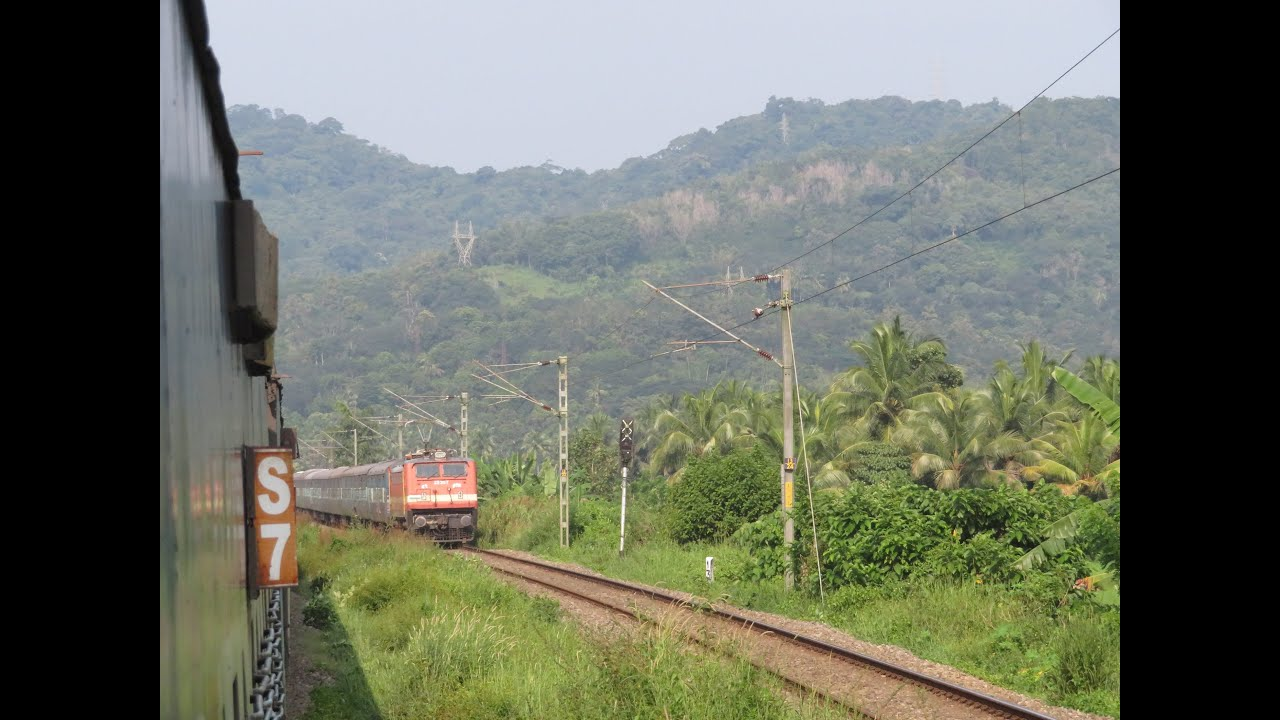Incredible Kerala: Mangalore Trivandrum Full Day Journey - Indore Kochuvelli Express