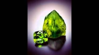 видео Демантоид камень - свойства лечебные и магические, украшения с демантоидом