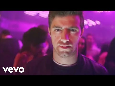 The Chainsmokers - #SELFIE (Official Music Video)