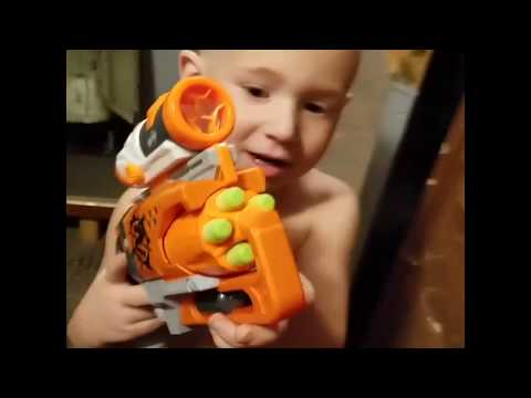 Play time with m&m new nerf gun fun pretending chase